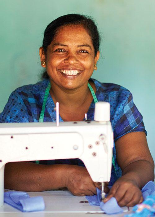 Ett företag grundat på kärleken till te och ett liv tillägnat teplantan måste ha en bestående koppling till te, te industrin på Sri Lanka och de miljontals människor vars överlevnad beror på densamma. (Öppnas på ny sida med Engelsk text)